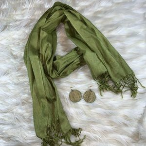 Ladies Pashmina with wooden earrings combo